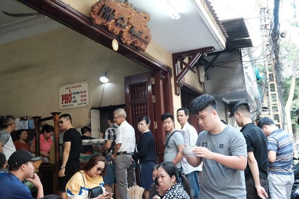 Đến Hà Nội, đừng bỏ qua ba quán phở trứ danh này - Ảnh 7.