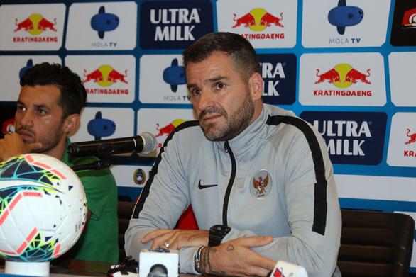 HLV Simon McMenemy: Indonesia sẽ khiến Việt Nam có trận đấu vất vả - Ảnh 1.