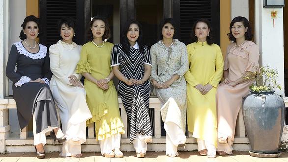 Trang phục Việt đâu chỉ là áo dài - Ảnh 1.