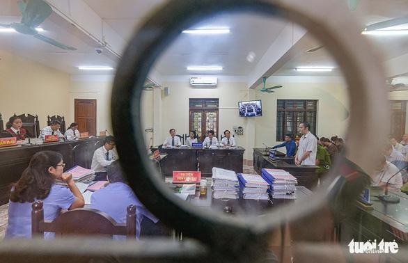 Xét xử gian lận thi cử tại Hà Giang: Cái giá bị cáo phải trả là quá đắt - Ảnh 1.