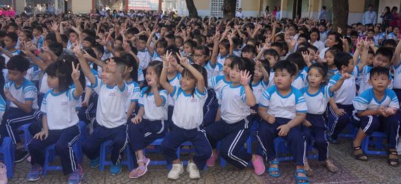 Phát động phong trào giáo viên cùng học tiếng Anh với học sinh - Ảnh 2.