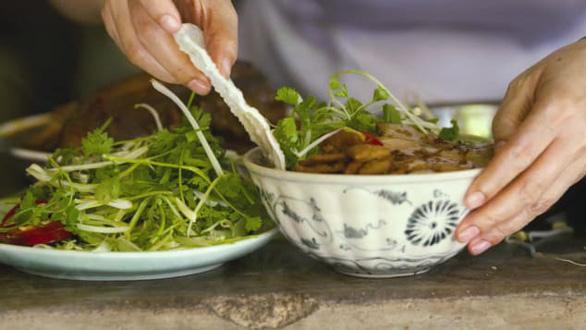 CNN từng giới thiệu gì về Việt Nam - điểm đến ẩm thực hàng đầu châu Á? - Ảnh 1.