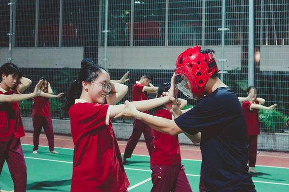 Sinh viên hào hứng với chuyên đề Hướng dẫn kỹ năng tự vệ cho nữ sinh SIU - Ảnh 5.
