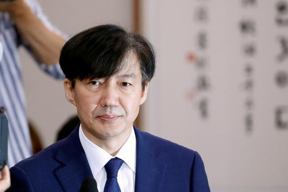 Vì bê bối của vợ con, bộ trưởng Hàn Quốc từ chức chỉ sau một tháng được bổ nhiệm - Ảnh 1.