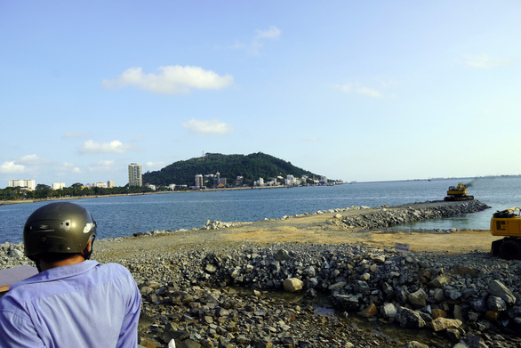 Tạm dừng thi công dự án lấp biển làm thủy cung ở Vũng Tàu - Ảnh 4.