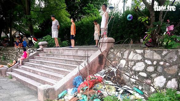 Công viên Tuổi trẻ Thủ đô: Nỗi xót xa giữa lòng Hà Nội - Ảnh 2.