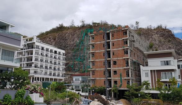 Lập phương án dỡ 13 biệt thự cao cấp vi phạm ở Nha Trang - Ảnh 2.