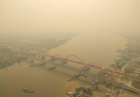 Vừa mở cửa lại, hàng loạt trường ở Indonesia lại đóng cửa vì ô nhiễm - Ảnh 1.
