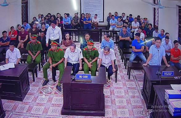 Xử vụ gian lận thi ở Hà Giang: Đánh cả xe tải chở bài thi về sửa - Ảnh 2.