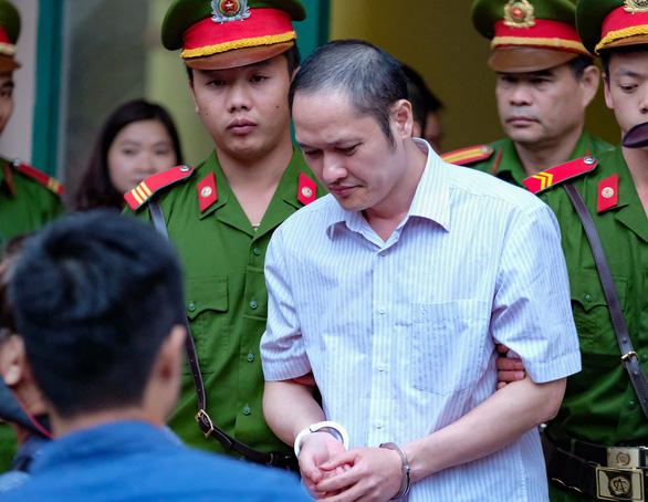 Xử vụ gian lận thi ở Hà Giang: Đánh cả xe tải chở bài thi về sửa - Ảnh 1.