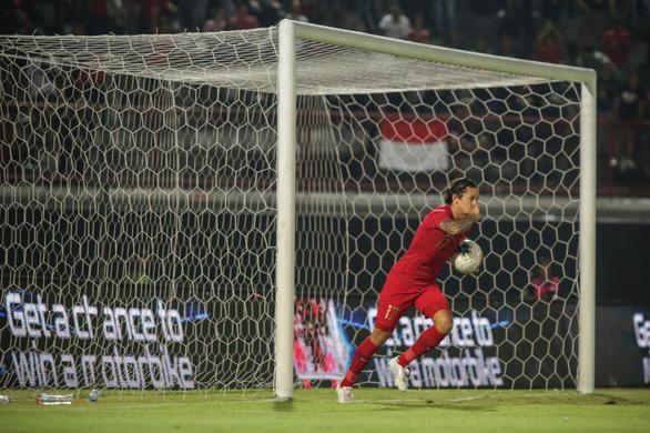 Cầu thủ Indonesia sút tung lưới Việt Nam: 'Chúng tôi đáng lẽ đã thắng…' - Ảnh 1.