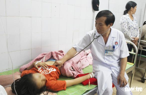 5 nữ sinh Nghệ An nhập viện vì bị sét đánh - Ảnh 1.