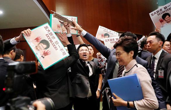 Trung Quốc phẫn nộ với dự luật của Mỹ về Hong Kong - Ảnh 1.