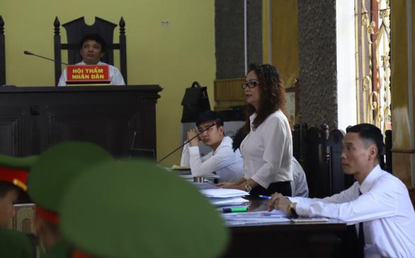 Cựu phó giám đốc Sở GD-ĐT tỉnh Sơn La khai bị ép cung - Ảnh 2.
