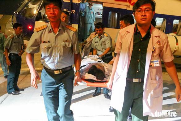 Trực thăng cấp cứu kịp thời ngư dân bị chấn thương sọ não tại Trường Sa - Ảnh 1.