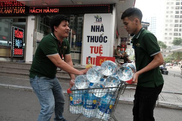 Hà Nội công bố nước tại nguồn vào Nhà máy nước sạch Sông Đà đã đạt chuẩn - Ảnh 3.