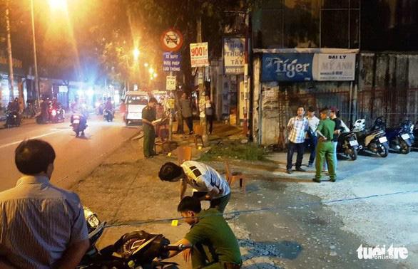 Nghi can đâm chết người sau va chạm xe máy ở quận Bình Tân ra đầu thú - Ảnh 1.