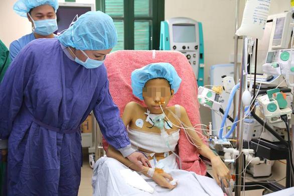 Xuất viện sau ghép phổi từ người hiến chết não thành công - Ảnh 1.