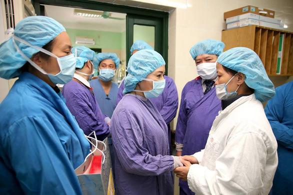 Xuất viện sau ghép phổi từ người hiến chết não thành công - Ảnh 3.