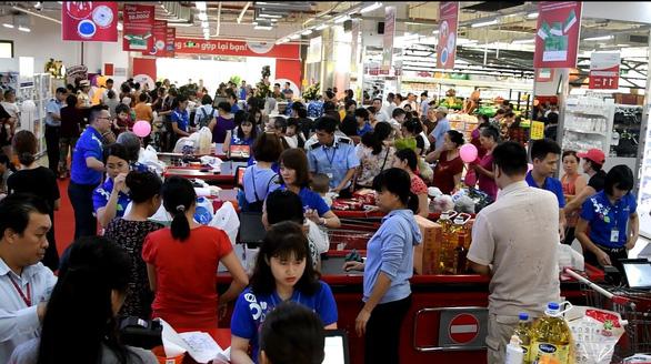 Co.opmart tại Hà Nội khuyến mãi lớn thu hút hàng trăm ngàn lượt khách - Ảnh 1.