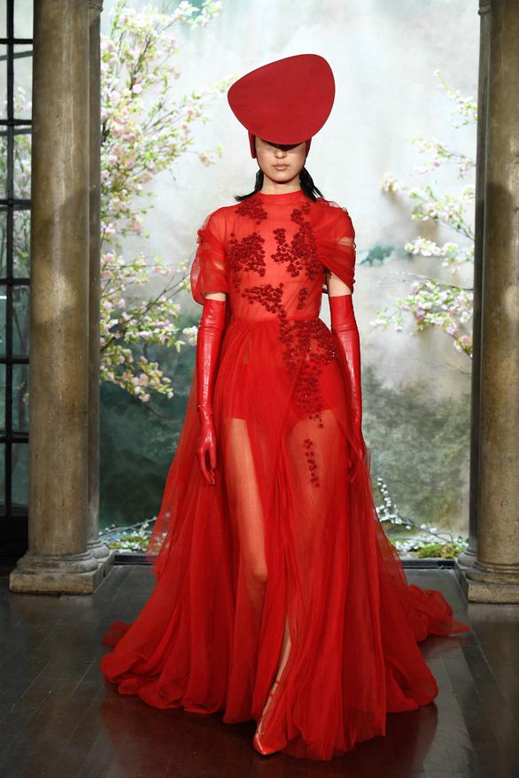 Phương My được sánh ngang Vera Wang, Valentino trên Harper's Bazaar - Ảnh 4.