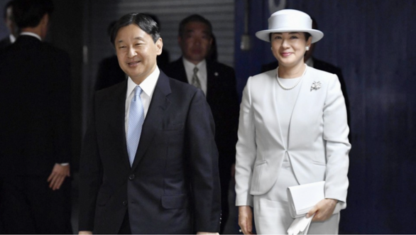 Nhật hoàng dời lễ diễu hành lên ngôi để lo cho nạn nhân bão Hagibis - Ảnh 1.