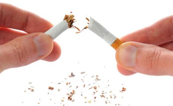 Nhiều người muốn có chứng nhận bỏ thuốc lá thành công - Ảnh 1.