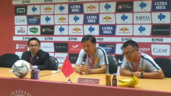 Thua 'sốc' U19 Indonesia, HLV U19 Trung Quốc đổ thừa do cầu thủ... mệt - Ảnh 1.