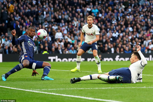 Tottenham thoát thua trước Watford bởi bàn thắng gây tranh cãi - Ảnh 2.
