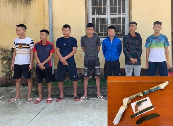 Tạm giữ 7 nghi phạm vụ hỗn chiến làm 7 người bị thương ở Sầm Sơn - Ảnh 1.