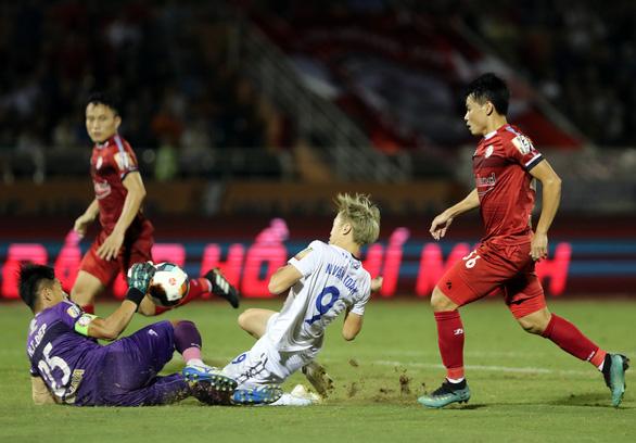Vòng 25 V-League 2019: Văn Thanh giúp người hâm mộ phố núi thở phào - Ảnh 1.