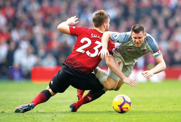 Vòng 9 Giải ngoại hạng Anh: Quyết chiến ở sân Old Trafford - Ảnh 1.