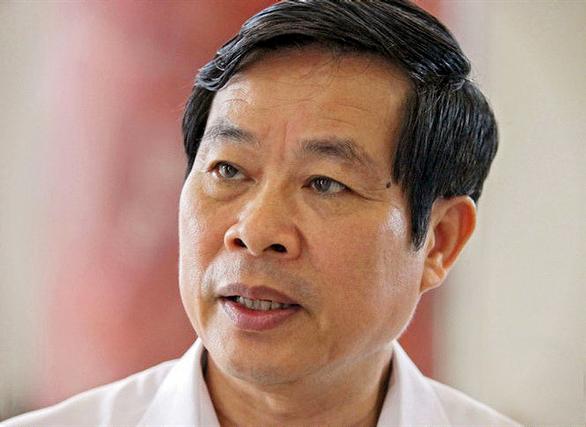 3 triệu USD xếp đầy 2 vali, 1 balô được ông Nguyễn Bắc Son để ngoài bancông - Ảnh 1.