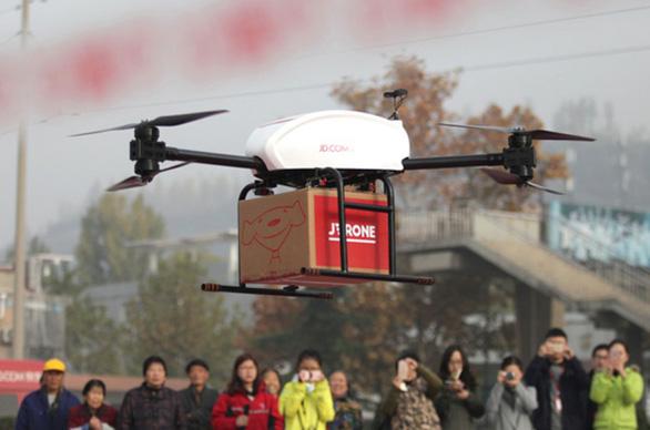 Trung Quốc cấp phép thí điểm giao hàng bằng máy bay không người lái - Ảnh 1.