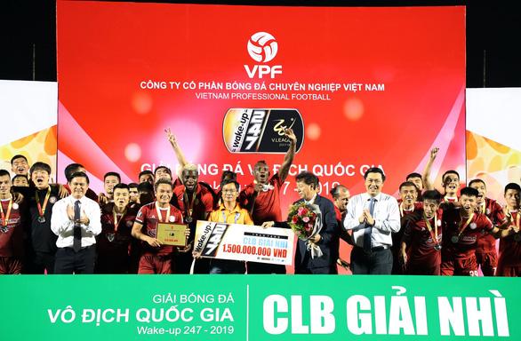 Vòng 25 V-League 2019: Văn Thanh giúp người hâm mộ phố núi thở phào - Ảnh 2.