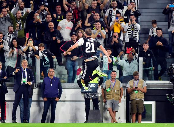 Ronaldo 'nổ súng', Juventus đè bẹp Leverkusen - Ảnh 1.
