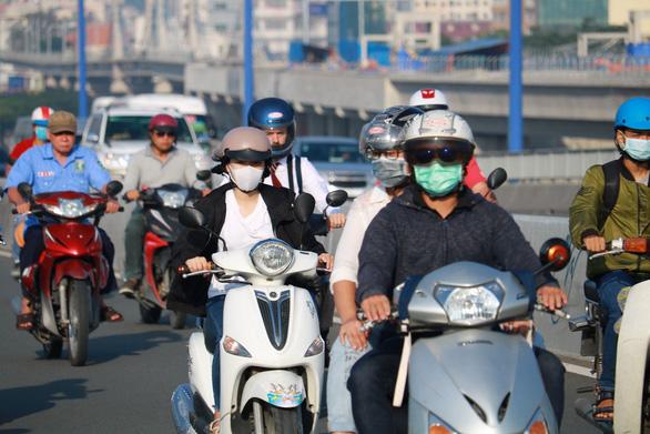 Không khí ô nhiễm, làm sao bảo vệ sức khỏe? - Ảnh 1.