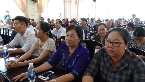 Đối thoại bất thành giữa chủ đầu tư khu đô thị mới Hưng Phú và khách hàng - Ảnh 2.