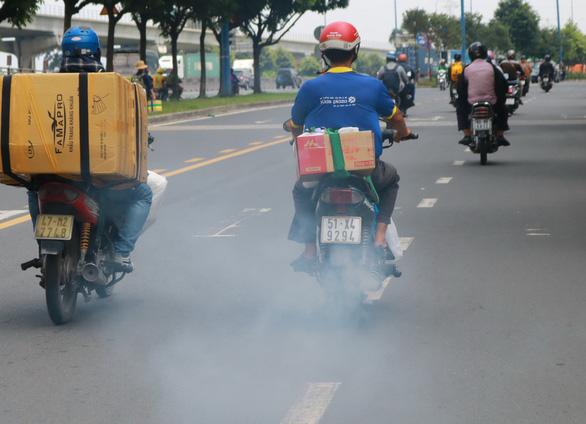 Ô nhiễm đã đến mức nguy hại, chính quyền thiếu giải pháp cấp bách - Ảnh 3.