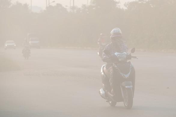 Đợt ô nhiễm không khí trầm trọng ở Hà Nội sắp kết thúc chưa? - Ảnh 1.