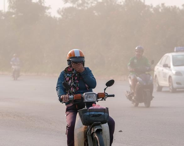 Ô nhiễm đã đến mức nguy hại, chính quyền thiếu giải pháp cấp bách - Ảnh 1.