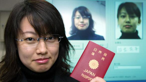 Hộ chiếu Nhật, Singapore mạnh nhất thế giới, Việt Nam hạng 90 - Ảnh 1.