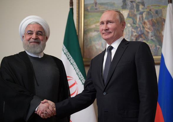 Tong thong Putin noi khong co bang chung Iran tan cong co so loc dau Saudi
