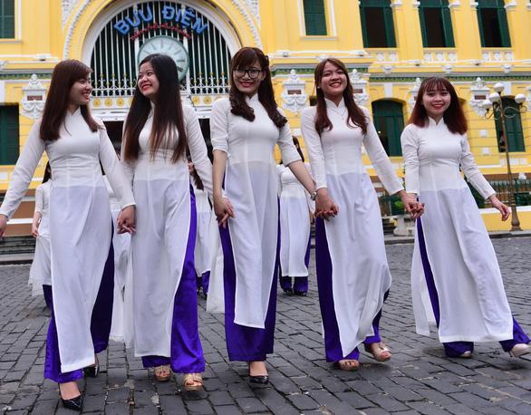 Cả thế giới đều biết áo dài là quốc phục Việt Nam - Ảnh 5.
