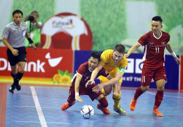 Futsal Việt Nam lần đầu tiên đánh bại Úc - Ảnh 3.