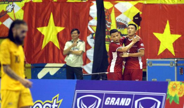 Futsal Việt Nam lần đầu tiên đánh bại Úc - Ảnh 8.