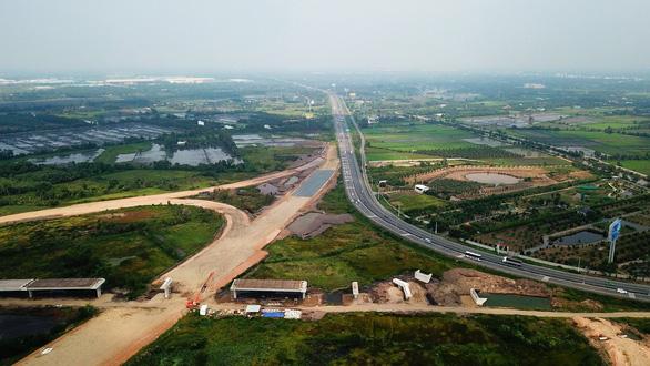 Chính phủ sẽ sớm đẩy nhanh các dự án giao thông trọng điểm - Ảnh 1.