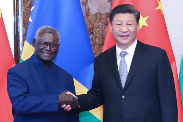 Bị tố cho các nước nhỏ vay nợ khó trả, Trung Quốc bảo bịa đặt - Ảnh 1.