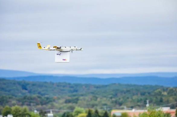 Dịch vụ giao hàng bằng máy bay không người lái đầu tiên ở Mỹ - Ảnh 1.