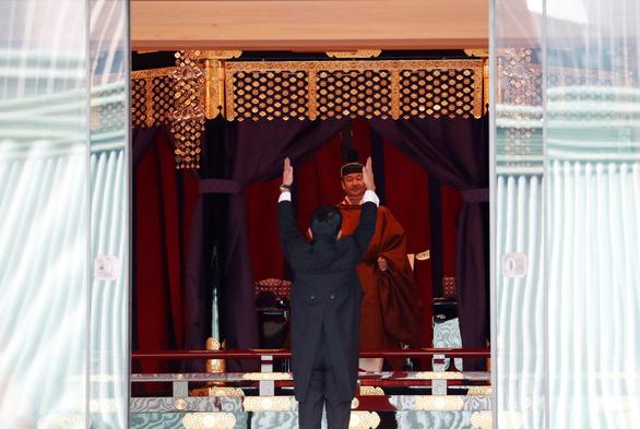 Nhật hoàng Naruhito: Tôi nguyện luôn nghĩ tới người dân - Ảnh 7.